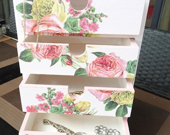 Jewelry box - Shabby chic - vintage Roses