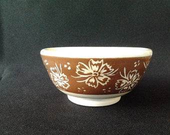Bowl with sgraffito flowers