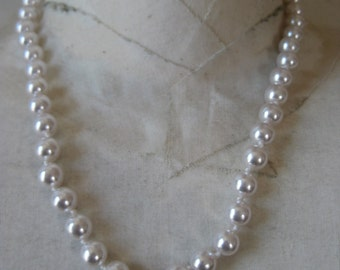 White Pearl Necklace Knotted Vintage