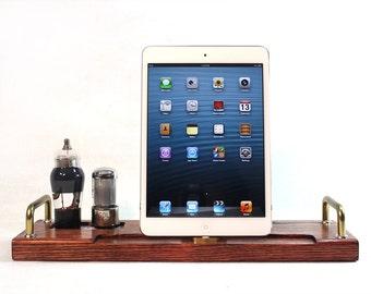 iPad Mini - iPad 4 - iPhone 5 -- Combo Docking Station - New Lighting Plug - Tube Model Steampunk -  Vintage Radio look