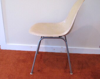Eames For Herman Miller Molded Fiberglass H Base Shell Chair, Mid Century  Modern Fiberglass