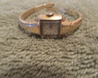 vintage women wind up BUCHERER watch
