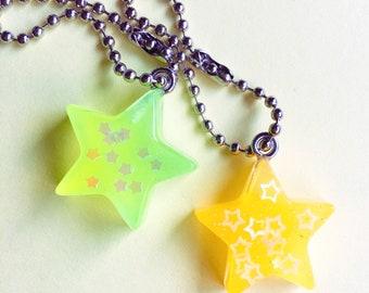 Resin glow in the dark star keychain