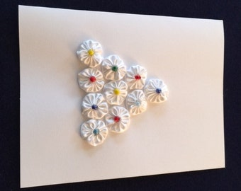 """Greeting Card with White """"Flower Tree"""" Design - Multi Color Buttons"""