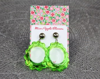 Vintage inspired earrings, hanging earrings big loop light green, 60s