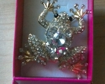 Golden frog Brooch with gift box