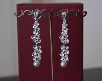 Bridal Jewelry earrings,Pearl earrings,Wedding,wedding pearl earrings,bridal,Jewelry,Swarovski Stones,Earrings,Pearls,Crystal Earrings