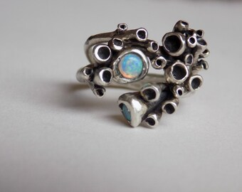 lichen ring with opals