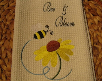 Bee and Bloom - Microfiber Waffle Weave Kitchen Hand Towel