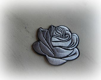 1 patch fusible badge / pink applique flowers in shades of silvery gray and black 7.5 * 7 cm