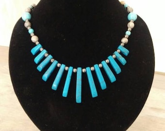 Cascade necklace turquoise howlite