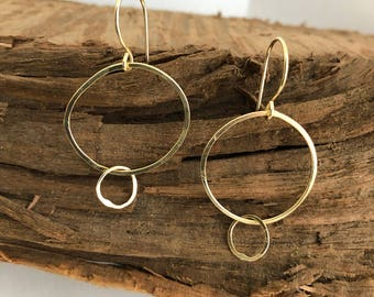 14k Solid Gold, Hand Formed and Hammered Matte or Shiny Gold Earrings Interlocking Circles