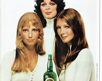 1970 Advertisement J & B Scotch And The Single Girl Blonde Brunette Redhead Women 70's Fashion Style Bar Pub Restaurant Wall Art Decor