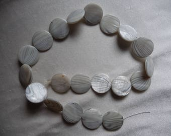 Beads, Mother-of-Pearl, 20mm Flat Round Coin, Shades of Light Gray with Design. Sold per 15 inch strand. There are 20 beads on the strand.