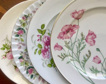 4 Mismatched Vintage China Dinner Plates Weddings, Bridal Shower, Tea parties D1011