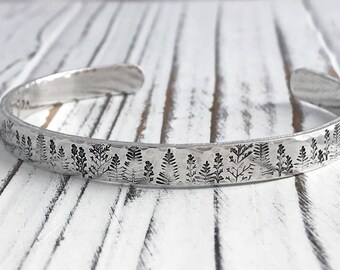 Mountains are Calling & I Must Go Inspirational Aluminum Cuff Bracelet Hand Stamped Inspirational Jewelry, Personalized Inspirational Custom