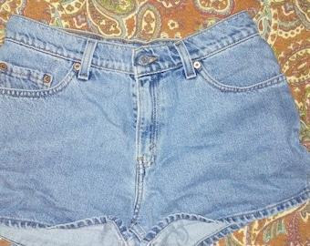 Vintage high waisted Levi shorts.