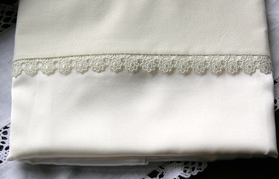 pure silk charmeuse pillowcase with guipure lace flower trim (single) hypoallergenic.