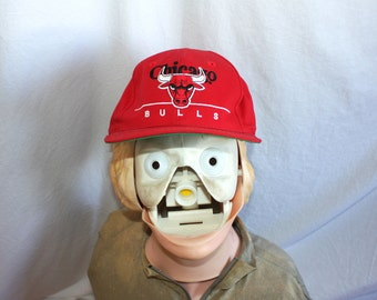 Chicago Bulls Red Baseball Cap.  Retro NBA Basketball Hat From the 90's. 90s Old School Hip Hop Michael Jordan Style. Retro Snapback Hat