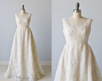 Vintage 1970s Lace Wedding Dress / Vintage 70s Wedding Gown / Sleeveless / All Lace / Emma