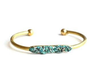 Crushed Chrysocolla Turquoise Gemstone Bracelet // Adjustable Brass Cuff Bangle Bracelet // Raw Boho Layering Bracelet //