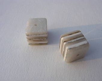 Resin Nougat marbled cube bead size 15 x 15 mm