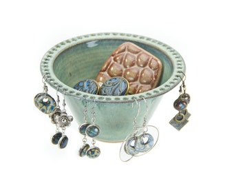 Ceramic earring bowl in Lagoon green/ pottery jewelry bowl / earring dish/ earring organizer/ earring display | hand thrown pottery