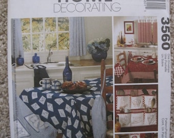 UNCUT Retro Accessories for your kitchen - Organizer, Looped Towel, Potholders, Apron, Tablecover - McCalls Pattern 3560