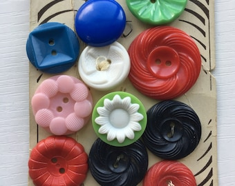 Vintage Plastic Flower Buttons 1950s House Dress Red Green Pink Blue Colt