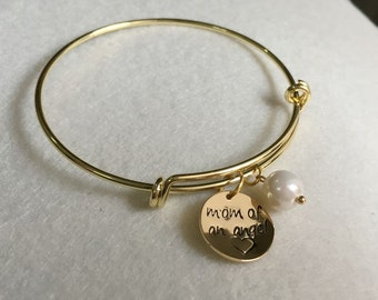 Mom, grandma, gift for her, mom gift, grandma gift, round tag bangle,  mothers bracelet, grandma bracelet, personalized gift for mom grandma