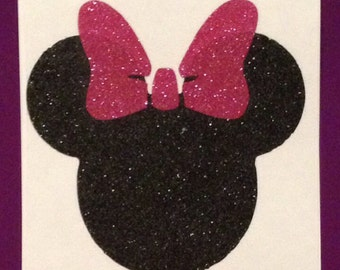 Minnie Mouse vinyl decal (choose from different sizes)