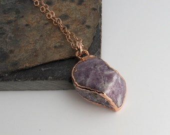 Rose Gold Rough Stone Necklace, Purple Charoite Stone Necklace, Birthstone, Boho necklace, Purple Charoite stone, Handmade Necklace, Stone