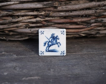 Delft Horse Rider Brooch, Equestrian jewelry, Horse jewelry, Navy blue and white brooch, Gift for horse lover, Blue white pin, Delft blue