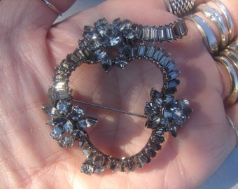 Antique Rhinestone Wreath Brooch 799.
