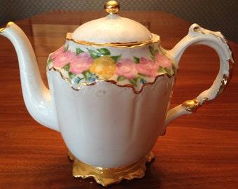Vintage 1950s teapot