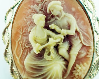 Cameo Brooch of Couple set in Gold Metal Frame