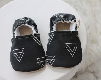 12-18 months Triangle Baby Shoes, Triangle baby shoes, Grey Baby Shoes, Gray Baby Shoe, Baby Booties, Baby Boy Shoes, Baby Moccasins,