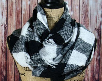 WINTER MARKDOWN Infinity Blanket Scarf, Plaid Scarf, Tartan Scarf in a Black and White Buffalo Plaid, Check