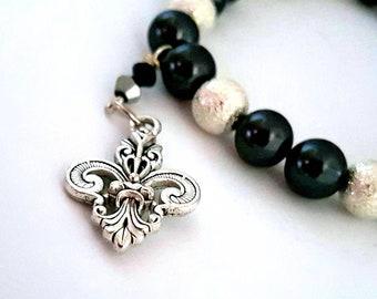Elegant Fleur-De-Lis Bracelet