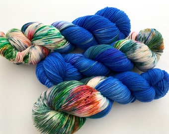 Hand Dyed/HandPainted Yarn--Bleu électrique on Superwash 80 Merino/20 Nylon 2-Ply Twist Sock