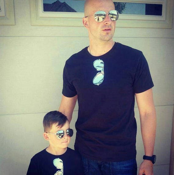 Fathers Day Daddy and Me SUPER SHINY Chrome Silver Mirror reflective Style Aviator Sunglasses on Front Maverick and Goose Navy t-shirt