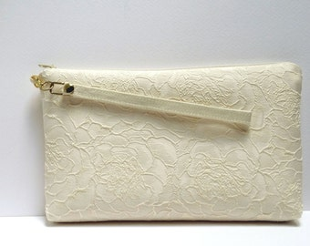 Bridal clutch Ivory Satin clutch Personalized bridesmaids gifts  Ivory lace  Ivory Brides Purse Ivory Lace Purse Bridesmaids   Set 3,5,7