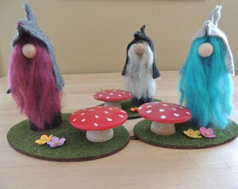 """5"""" wood gnomes with toadstool and flowers"""