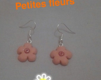 Earrings in polymer clay flowers