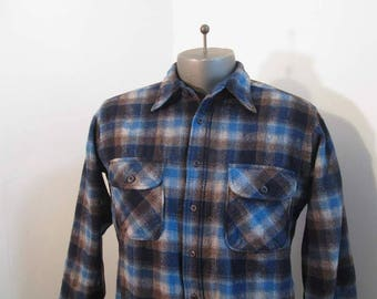 Vintage Pendleton 70s Wool shirt Blue and Gray plaid Shirt Wool Bias plaid pockets Gray wool plaid Pendleton shirt M