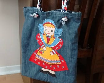 Tote bag doll made of recycled