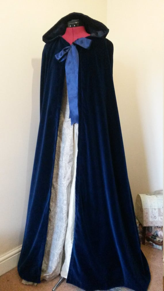 handmade red velvet cloak, velvet look, elven cloak, strawberry burgundy colour, hooded cloak, medieval cloak, medieval costume