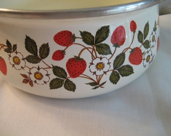 Enamel Sauce Pan 1 Qt Ivory Strawberry Design Sheffield Strawberries N Cream JP Made In Taiwan Retro Strawberry Kitchen Decor Curved  Handle
