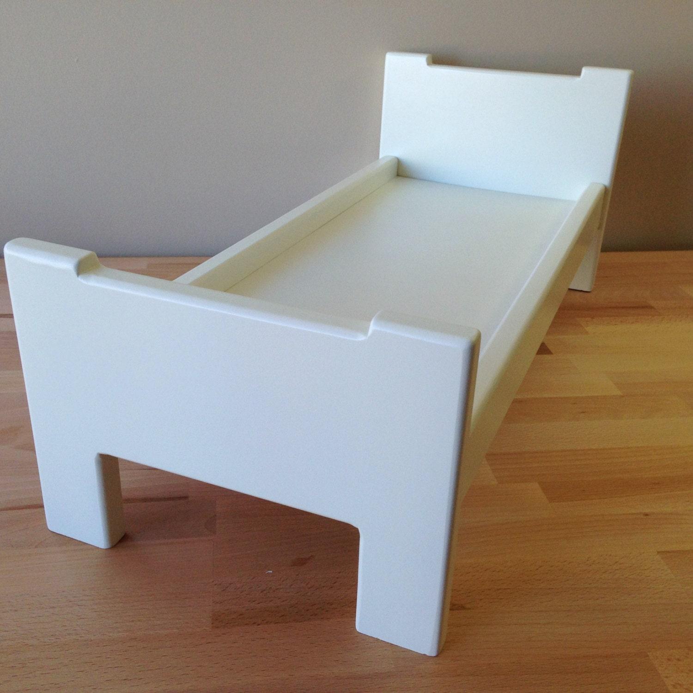 bois franc blanc lit pour 18 pouces poup es bois de lit pour. Black Bedroom Furniture Sets. Home Design Ideas