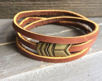 Leather wrap bracelet with magnetic arrow clasp brown or black